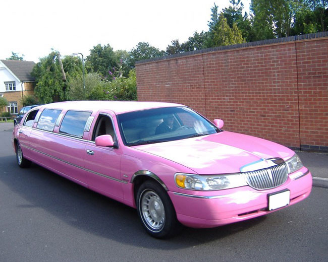 Lincoln Towncar Limos in West London